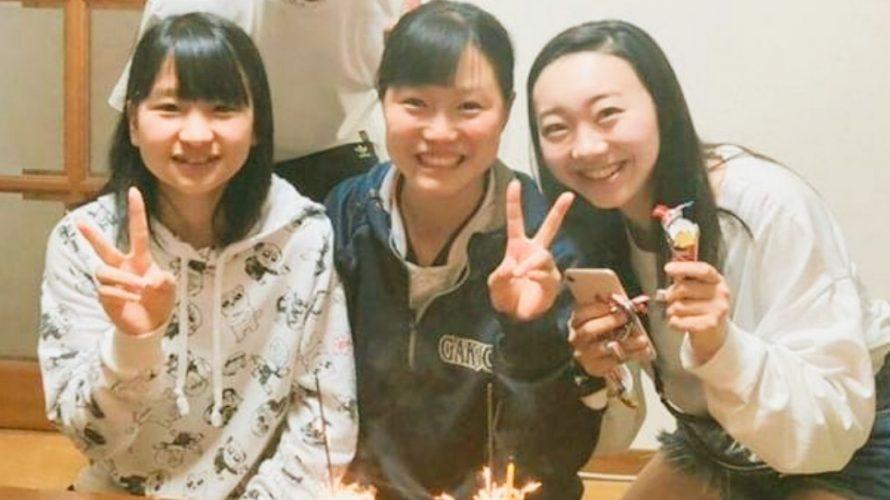 お友達と一緒に写真ケーキでお祝いいただきました(^-^)💕 エネルギーに満ちたプラチナスマイルありがとうございます❤️ 幸せな一年でございますよう~に☆