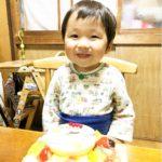 大好きな新幹線のイラストで2才のお誕生日をお祝いいただきました(^-^) とても喜んでいただけたご様子❤️ 可愛い笑顔ありがとうございます♪