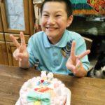 2分の1成人(^-^)10才のお誕生日にCanDeco(キャンデコ)をご利用いただきました❤️ ケーキも主役のご本人がデザインされたようで、素敵な笑顔を届けていただきました♪ 幸せな一年でございますよ~に❤️