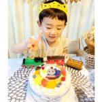 トーマスと一緒に4才のお誕生日^_^