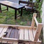 店先にベンチを置きます♪
