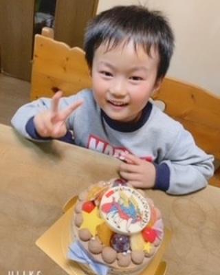 6歳のお誕生日をキャラクターケーキでお祝いくださいました❤